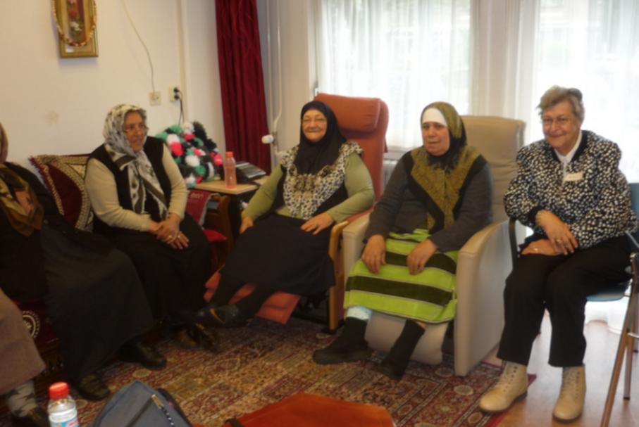 De site van Divers Den Haag   Bijzondere ontmoeting Marokkaanse, Nederlandse en Turkse vrouwen